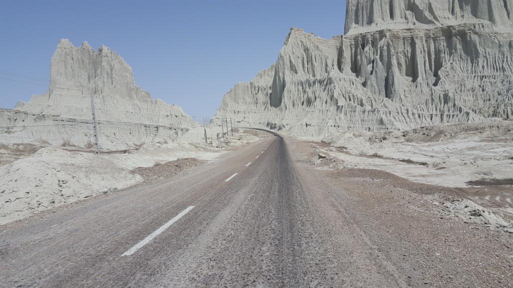 مسیر حرکت به سمت درگس، عکاس: زهرا شجری(1397/01/05)