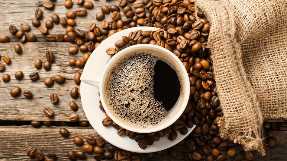 تهیه قهوه در خانههای ایرانی