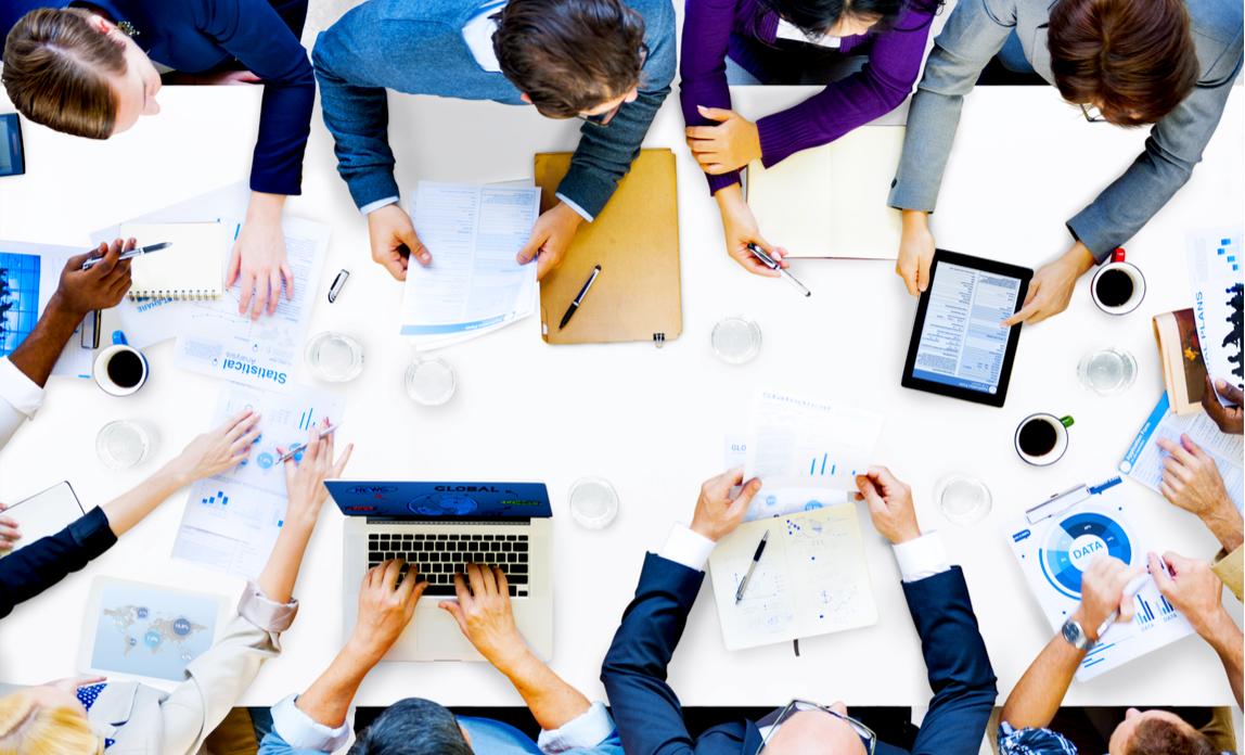 چگونه مطمئن شوید برای یک جلسه هیئت مدیره غوغا میکنید!