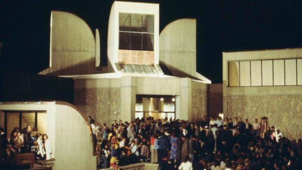 موزه به مثابه معبد؛ نگاهی به بازنمایی موزه هنرهای معاصر تهران در رمان تهرانیها