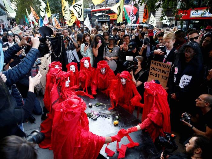 هفته مد لندن ۲۰۲۰ و حواشی آن