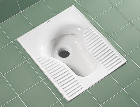 چرا عرض توالت آپارتمانها اینقدر کم است؟