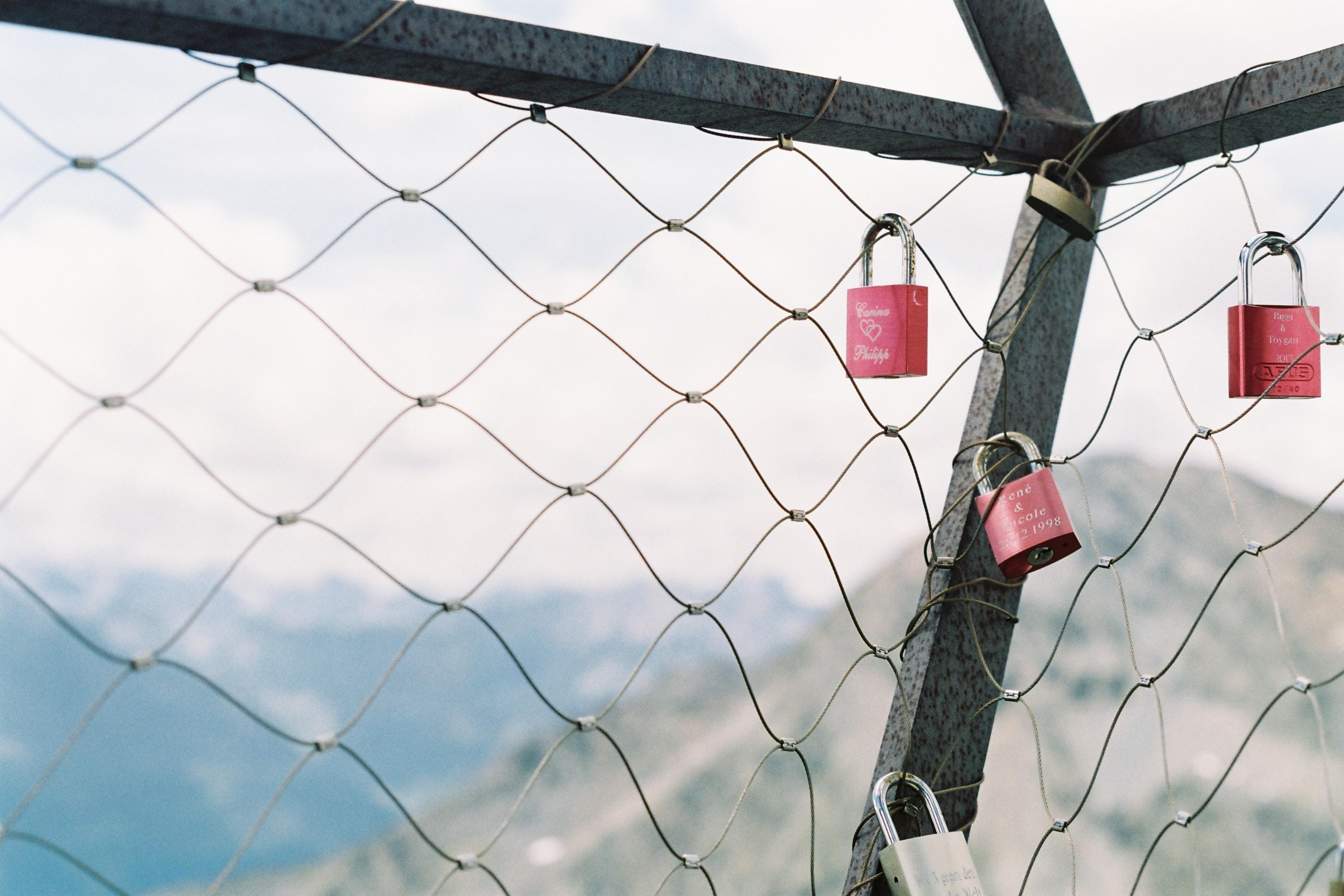 Lock Me!