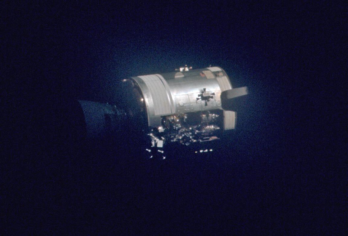 ماژول سرویس آپولو 13 بعد از جداسازی