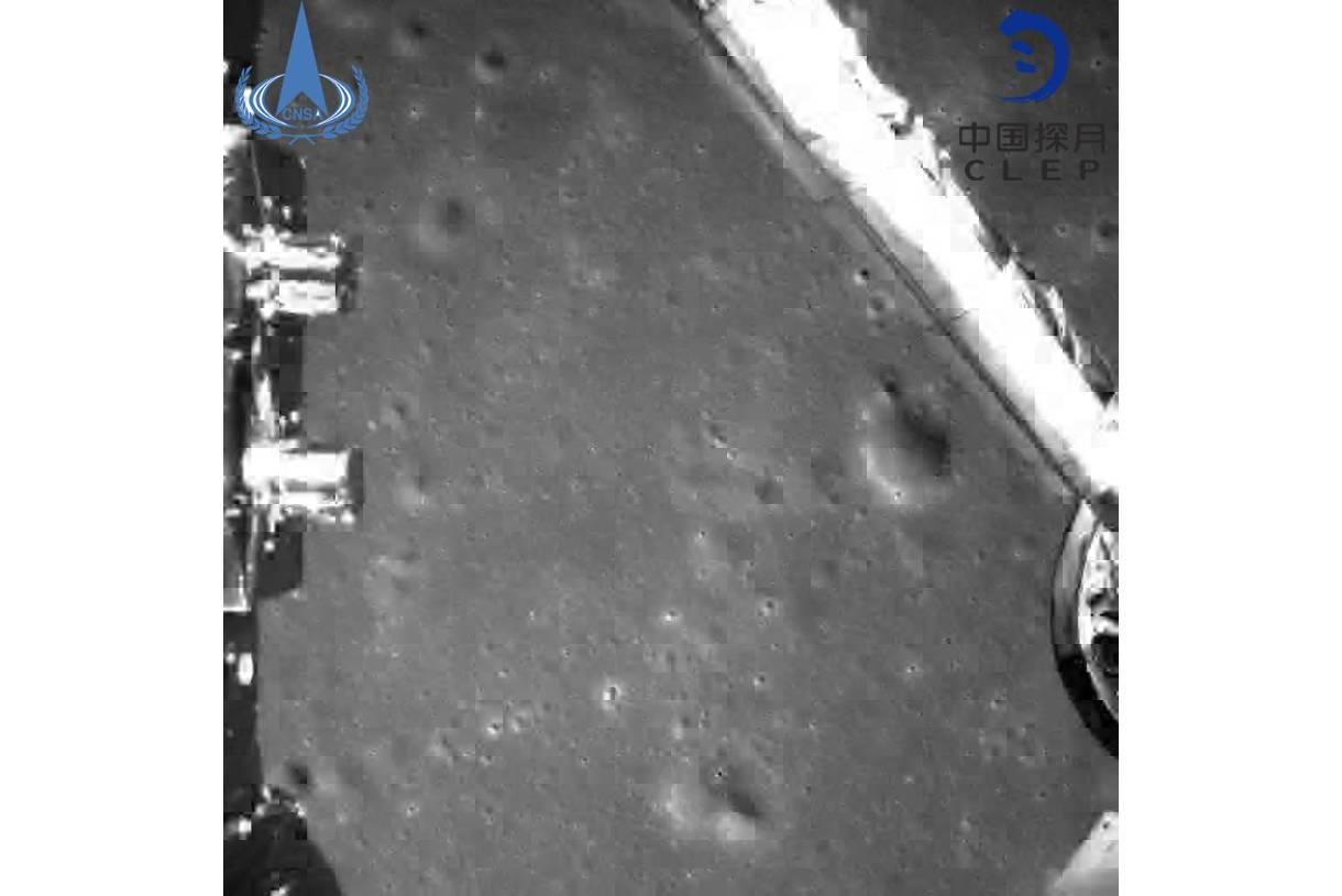 کاهش ارتفاع جهت فرود نرم به سطح ماه