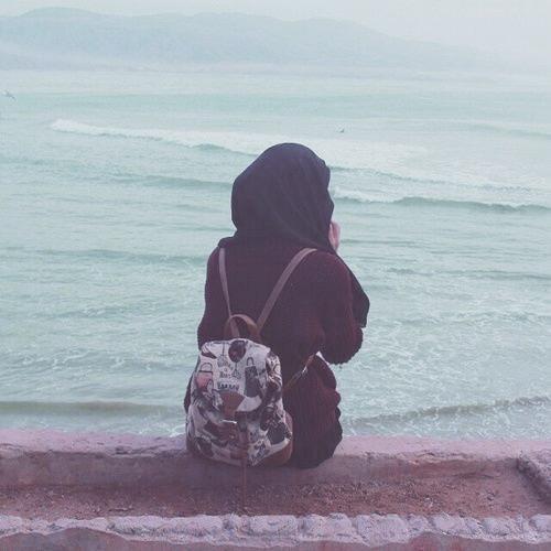 اینجا،من،دریا(: