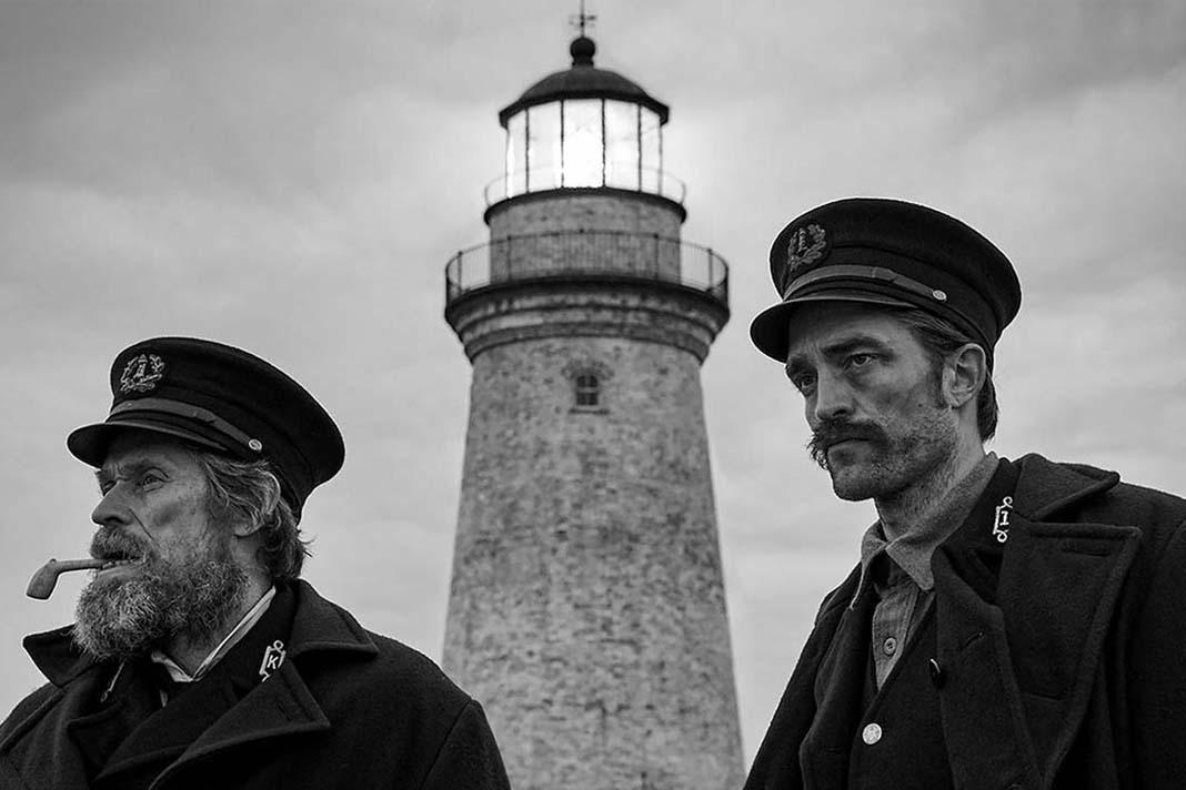 معلق میان زمین و هوا | نگاهی به فیلم فانوس دریایی the Lighthouse