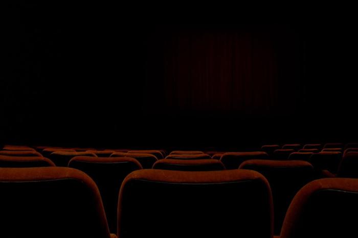 صندلی خالی سینما