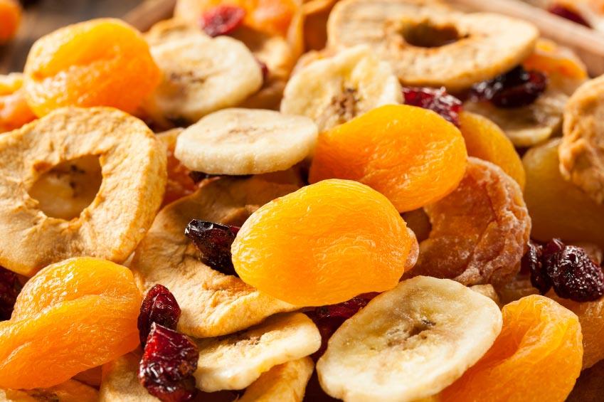 لذت خوردن میوههای خشک شده