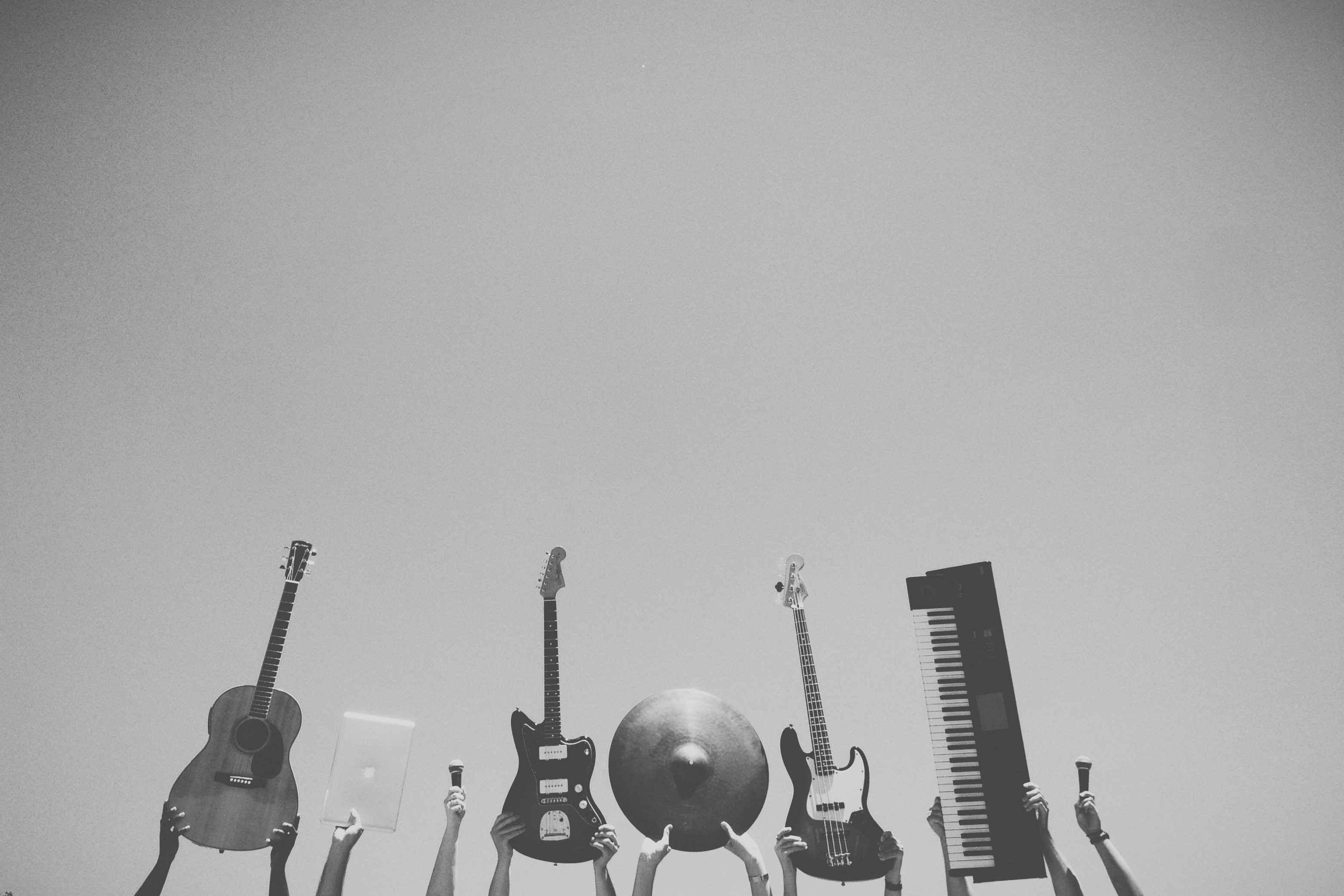 نفسهای تنگ موسیقی در اوایل انقلاب (درباره مستند بزم رزم)