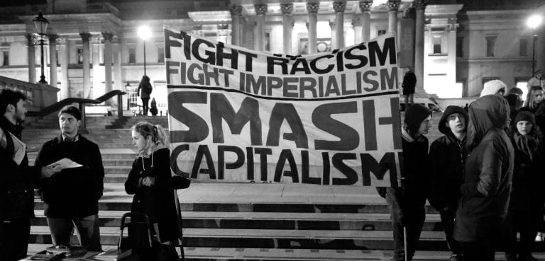روشنفکر، علیه کاپیتالیسم