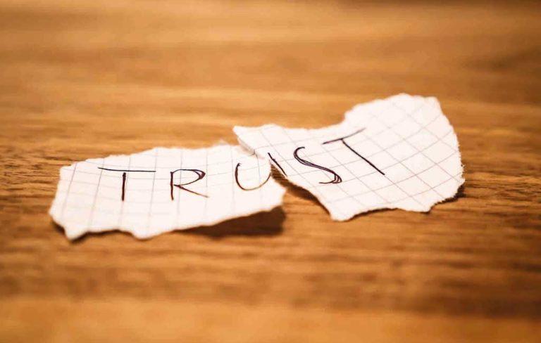 چه مقدار برای یک شغل قابل اعتماد هستیم؟