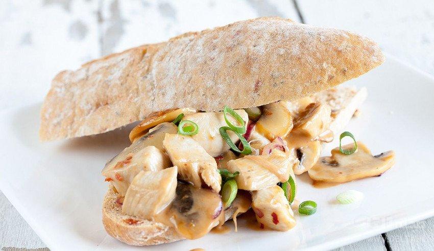 ساندویچ مرغ ، این بار با قارچ