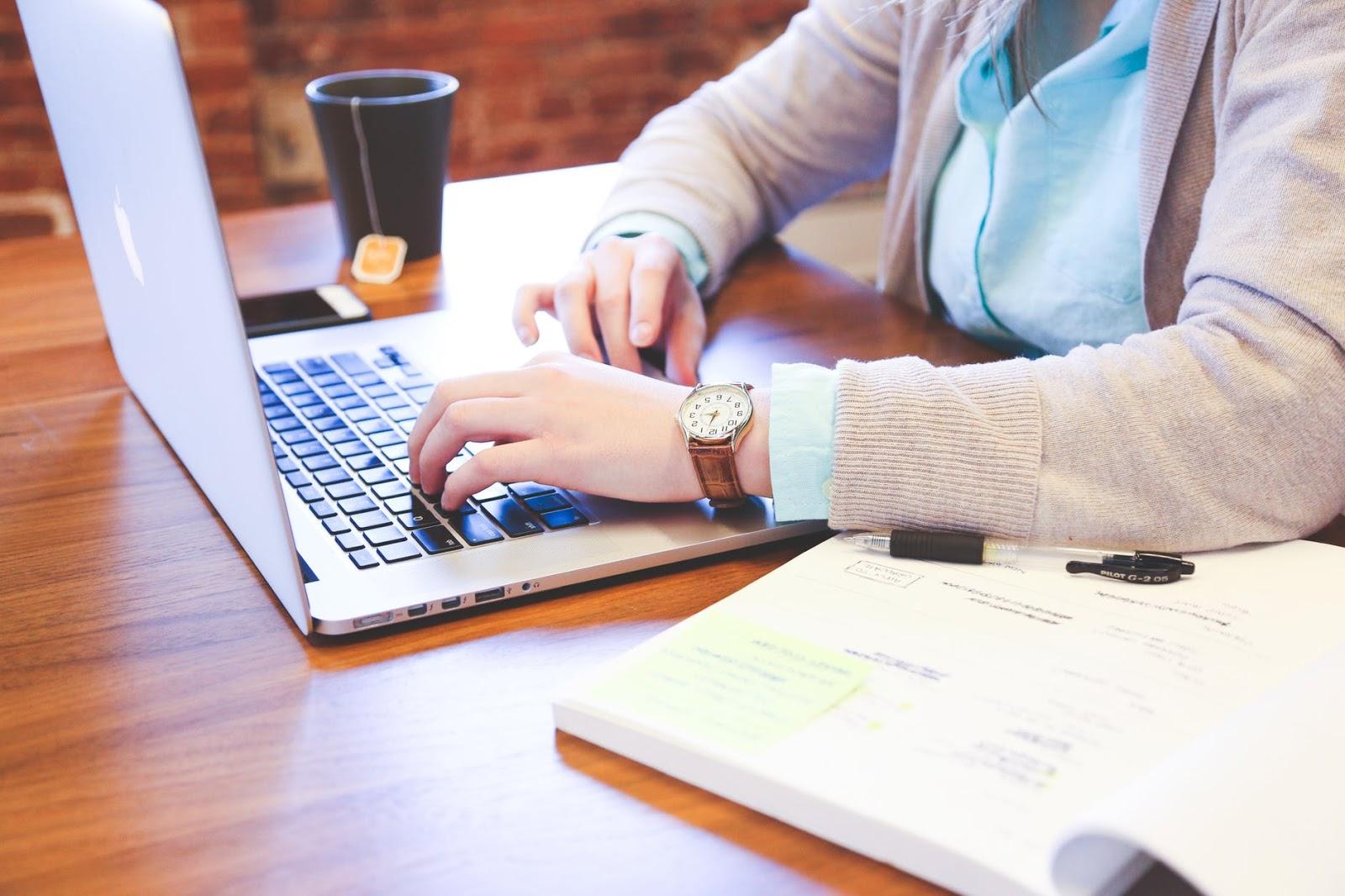 چه کسب و کار آنلاینی را راه اندازی کنم؟