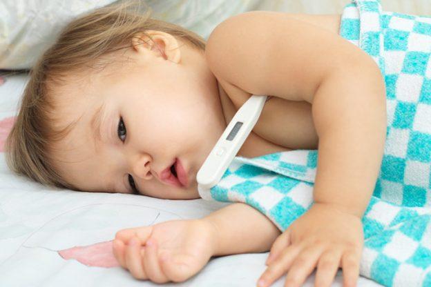 چگونه وقتی یک کودک مریض در خانه داریم ، به مسؤولیت های شغلی خود هم برسیم