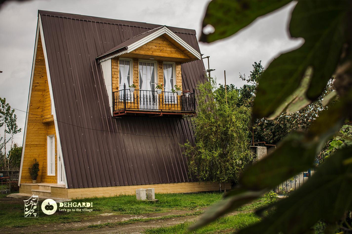 کلبه چوبی پرهسر