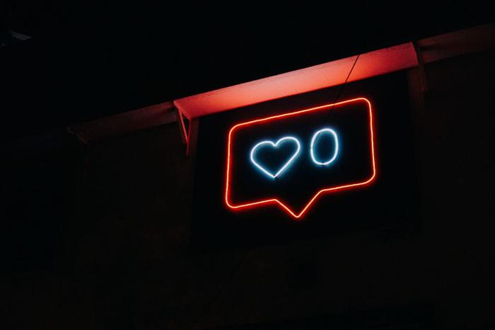 اقتصاد نوین تورو و اینستاگرام، توییتر و . . .