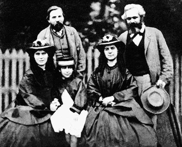 کارل مارکس ، دخترانش و عضو غیر رسمی خانواده آنها ، فردریش انگلس
