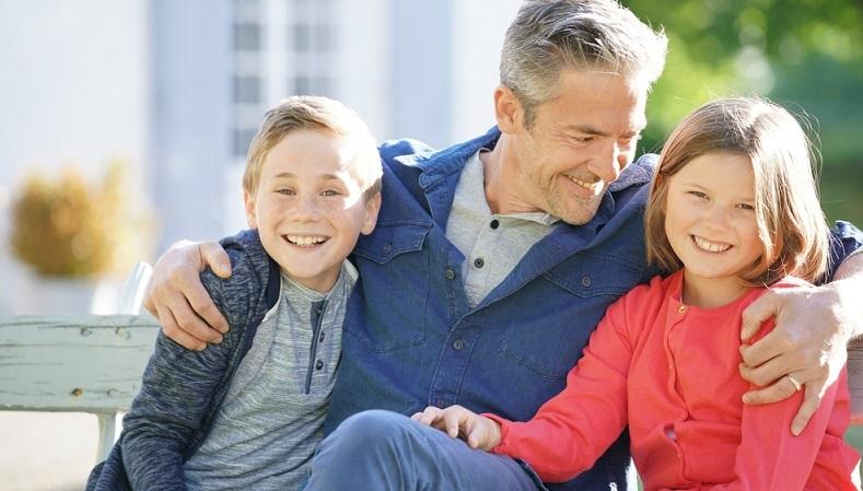 والدین مسن تر، کودکان آرامتر