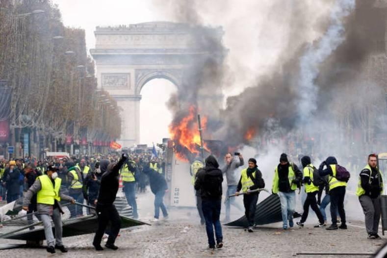اعتراضات ضد سرمایهداری در فرانسه