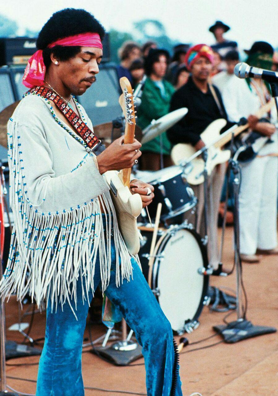 اجرای جیمی هندریکس در فستیوال وودستاک سال 1969
