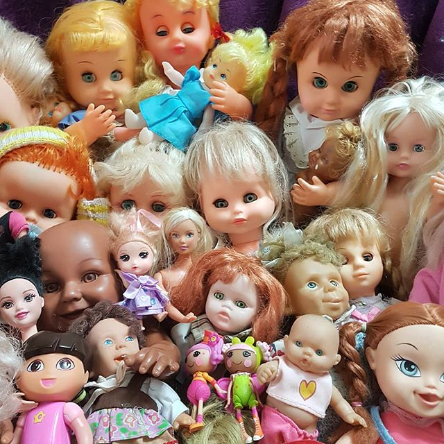 بچه ها عروسک نیستند