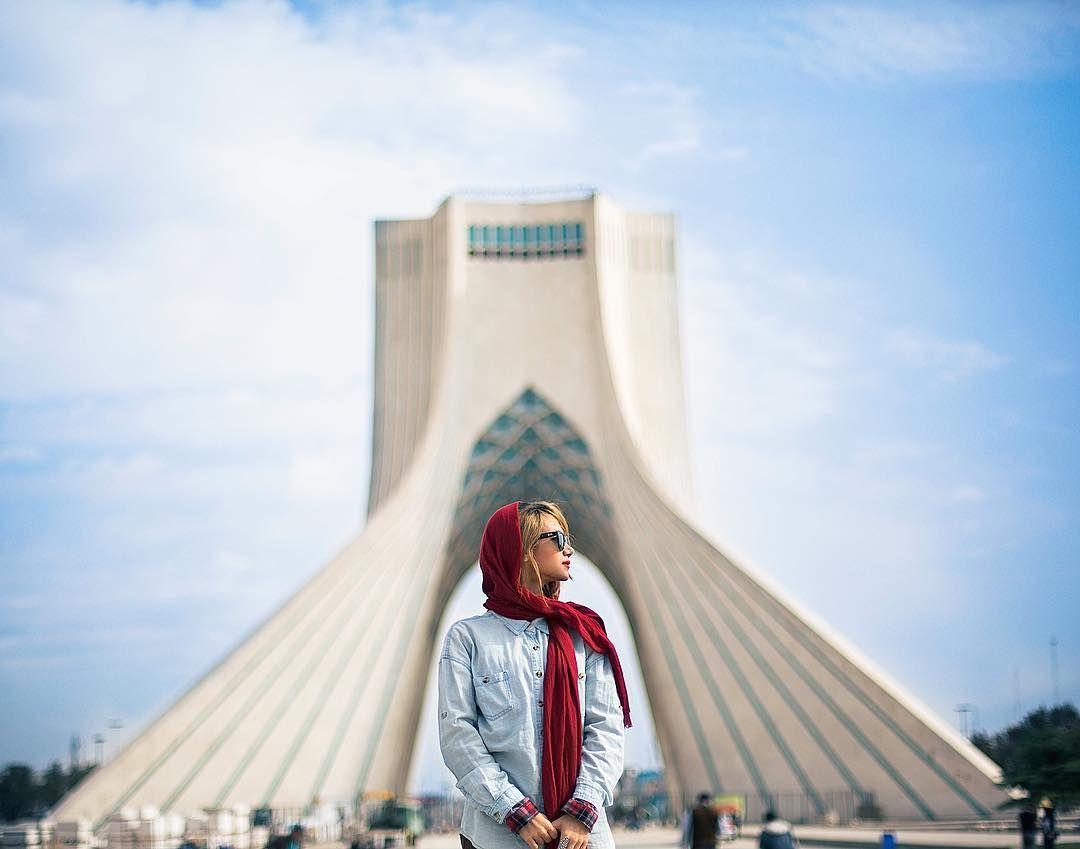 ایران فردا در آسانسور