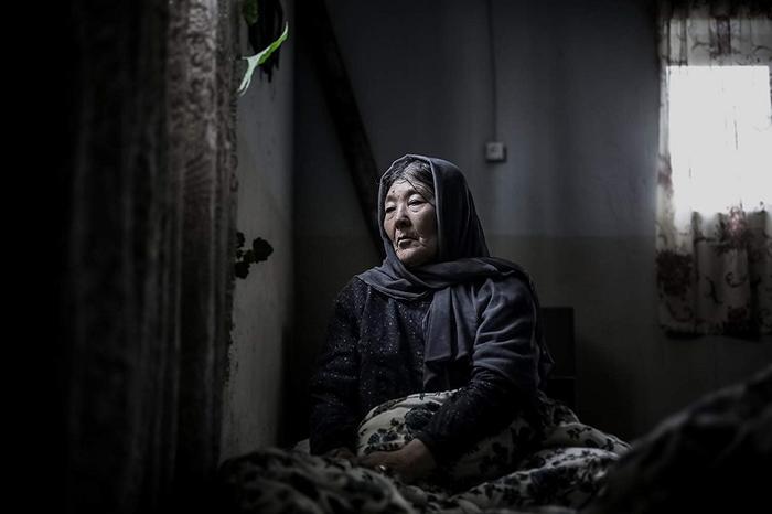 نقد فیلم شکستن همزمان بیست استخوان – رونا مادر عظیم