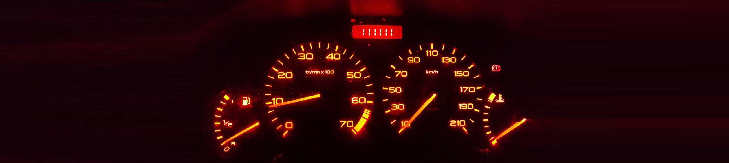 قبلاً شنیده بودم بعضی از فروشندگان اتومبیل، کیلومتر شمار ماشین را صفر میکنند. دلیلش هر چه باشد در این نوشته موردبحث من نیست. من میخواهم از منظر دیگری به موضوع نگاه کنم.