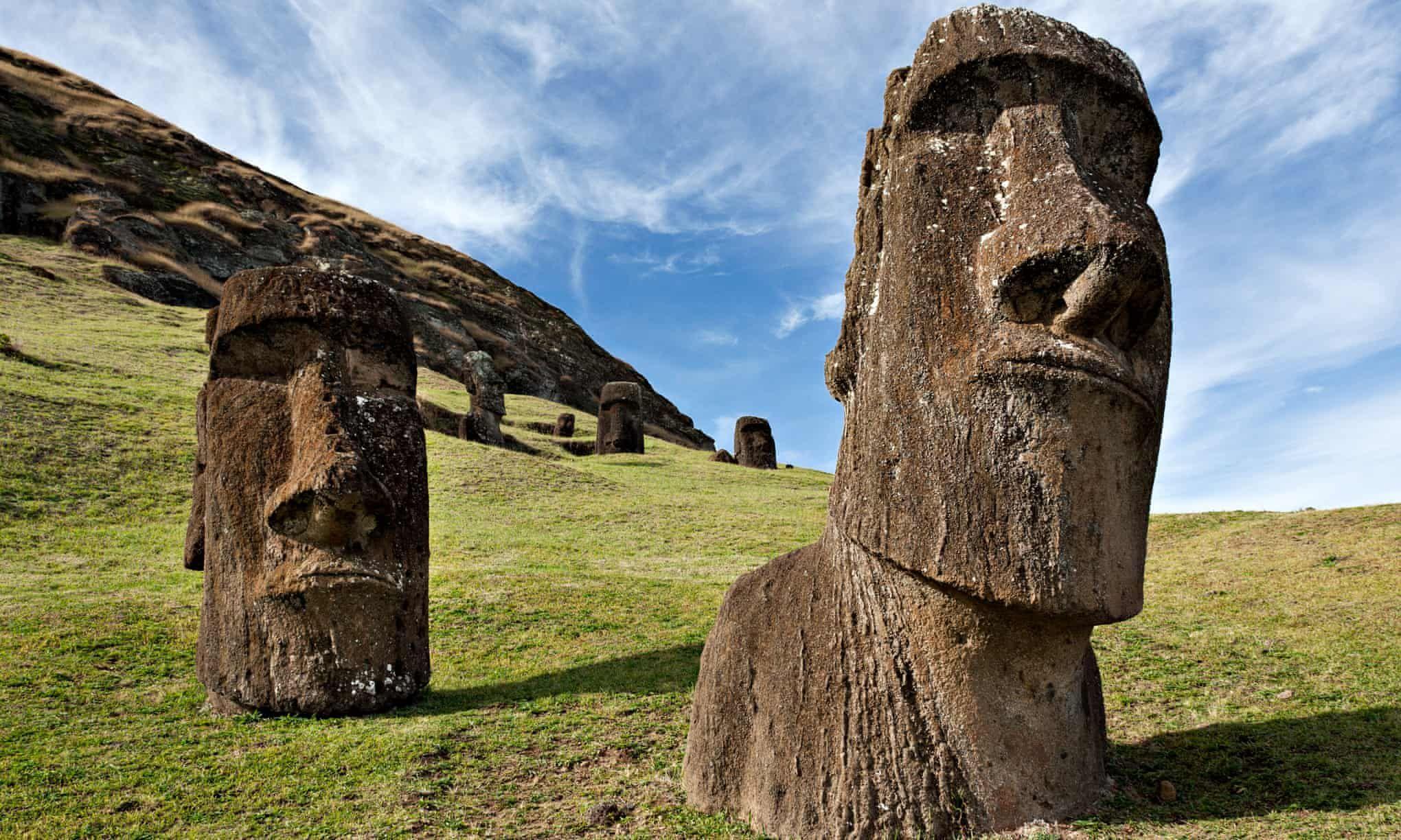موآی مجسمههای جزیره ایستر