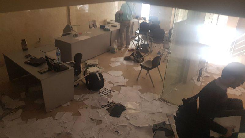 تصویری از دفتر اسنپ در کرمان پس از حمله به آن - اواخر بهمن 96